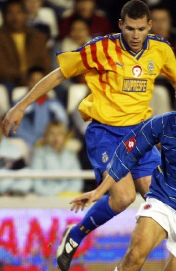 Valencia-05-PUMA-yellow-blue-blue-2.jpg