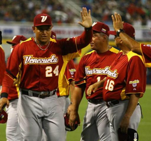 Venezuela-2013-WBC-visitor-uniform.jpg