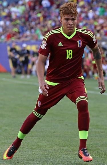 Venezuela-2016-adidas-Copa-America-Sentenario-home-kit.jpg